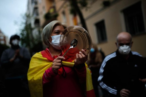 İspanya'da son 24 saatte 20 bin 986 yeni koronavir